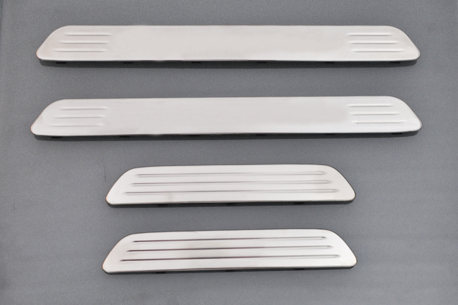For-2011-Porsche-Cayenne-Stainless-steel-Door-Sill-Scuff-Plate-Guards-B-New