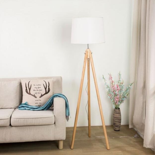 wood-floor-lamp