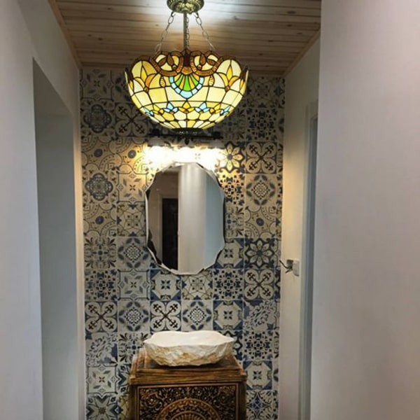 bathroom-tiffany-pendant-light