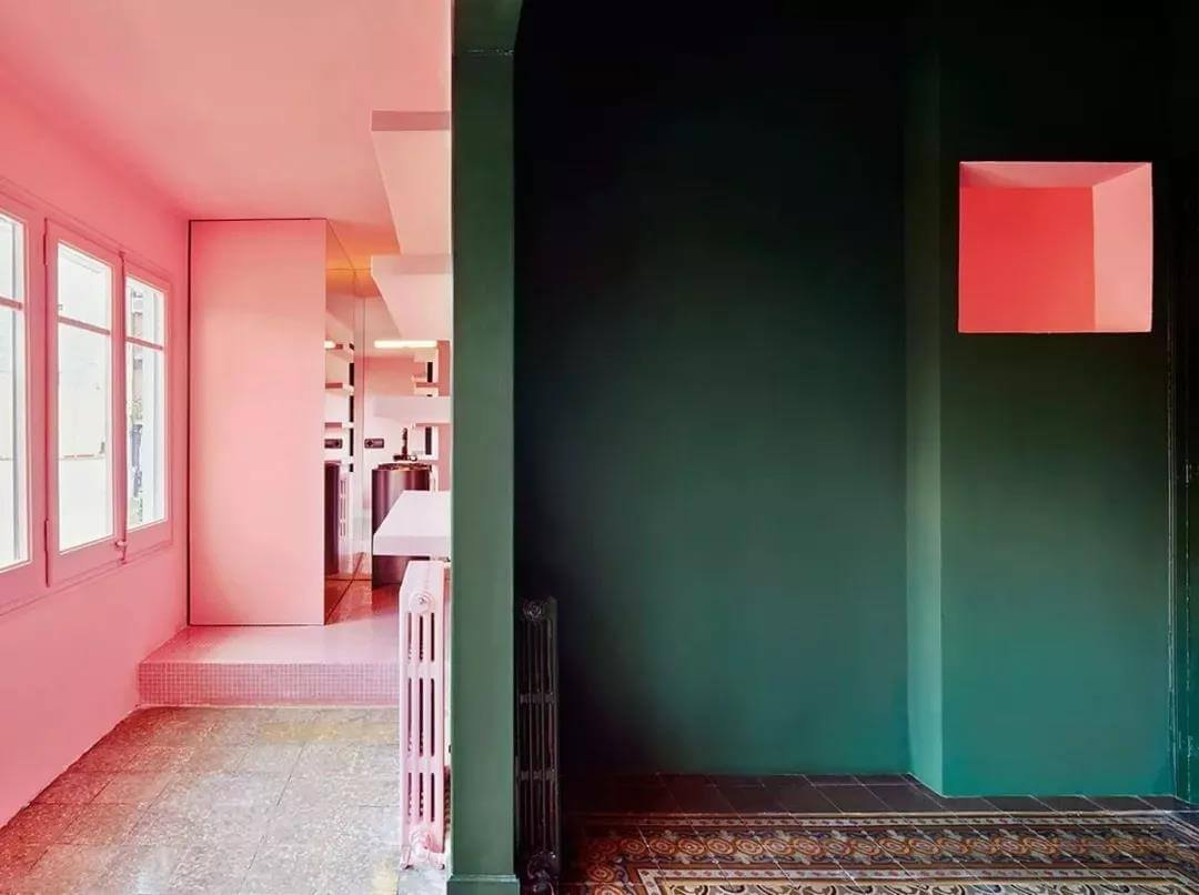 dark-green-pink-decoration