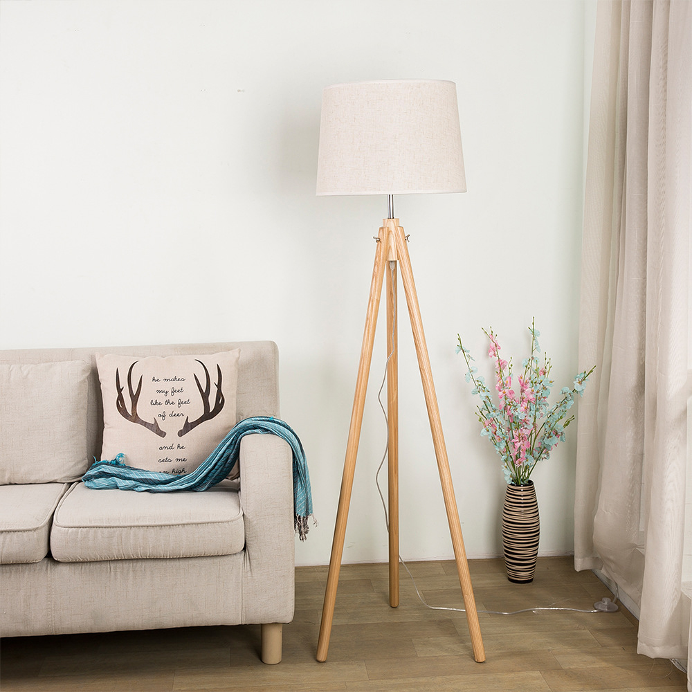 wood-floor-lamp