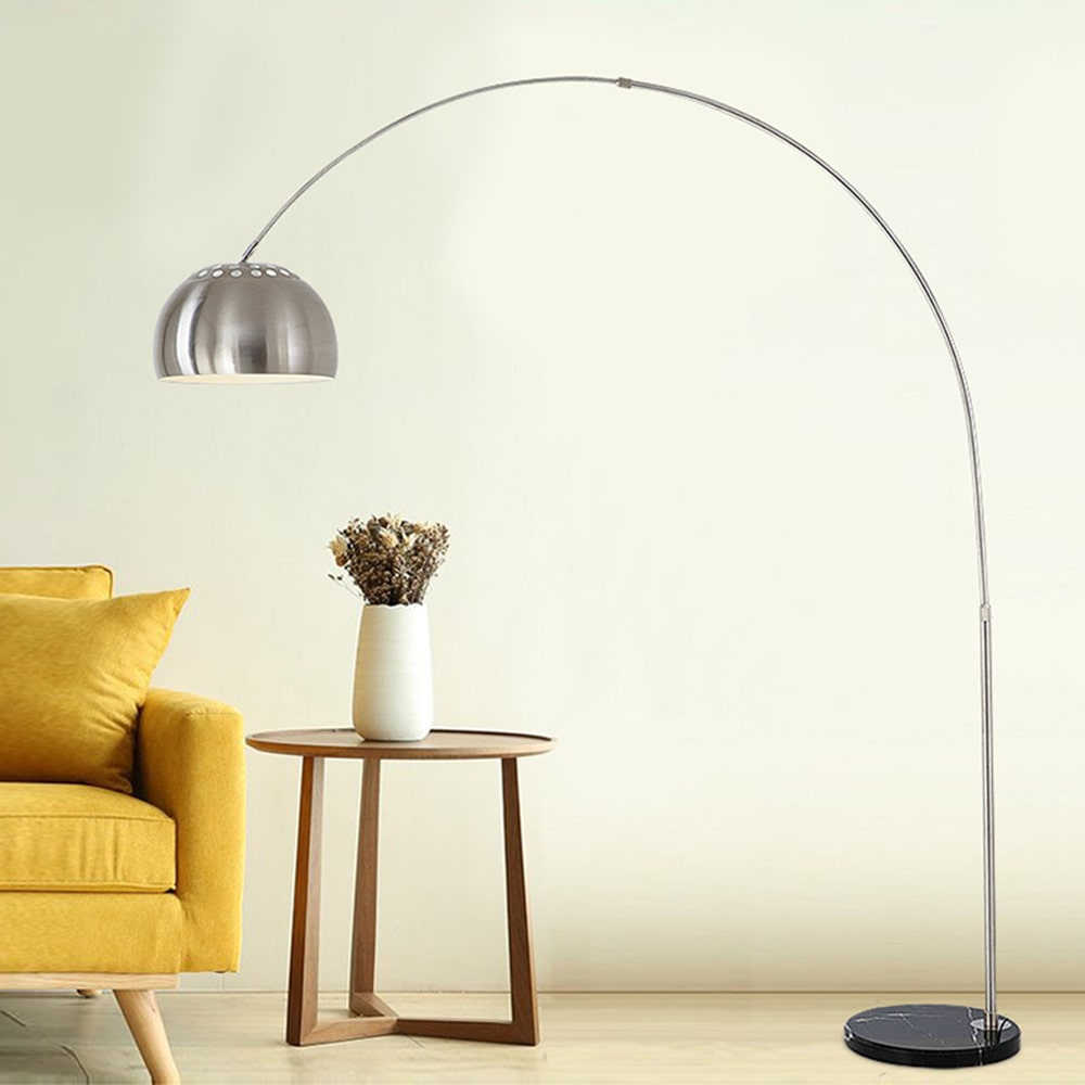 Curved-floor-lamp